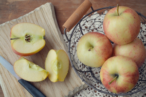 Apples cut into half and quarters